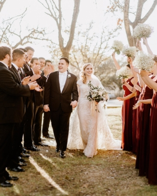 Remember when a historic winter storm made its way to Austin Tx? Well, Olivia & Roberto's wedding is living proof that with the right attitude everything is possible.  There are a lot of stories about this epic wedding. Like my 2 flight cancelations just before the wedding day, no water, no electricity, NO CHURCH because, all of the above. We had to improvise a lot but little miracles started happening along the way. And it all turned out amazing.  . . . . . #weddingideas  #engagement  #fotografodebodasguadalajara #destinationweddingphotographer  #weddingphotographer  #weddingphotography  #weddinginspiration  #weddingday  #theknot  #bride  #weddingphoto  #groom  #weddingdress  #junebugweddings  #weddings  #engaged #destinationweddingaustin #destinationwedding  #bridetobe  #brideandgroom  #shesaidyes  #topweddingplanners #austinweddings #austindestinationwedding #austinweddingphotographer #snowandwedding #brideandgroom #austintexas #shoothowitfeels